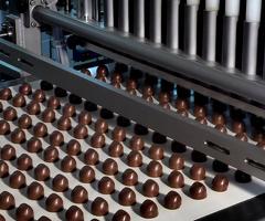 Упаковщик шоколадной продукции