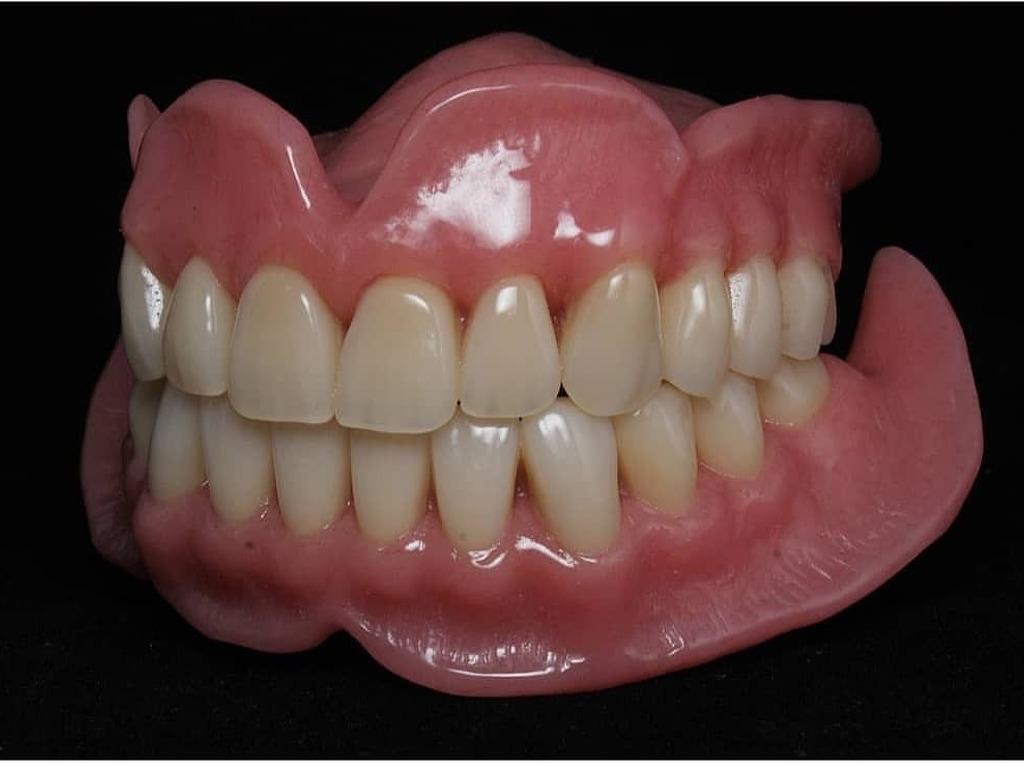 Зубнойтехник - 1